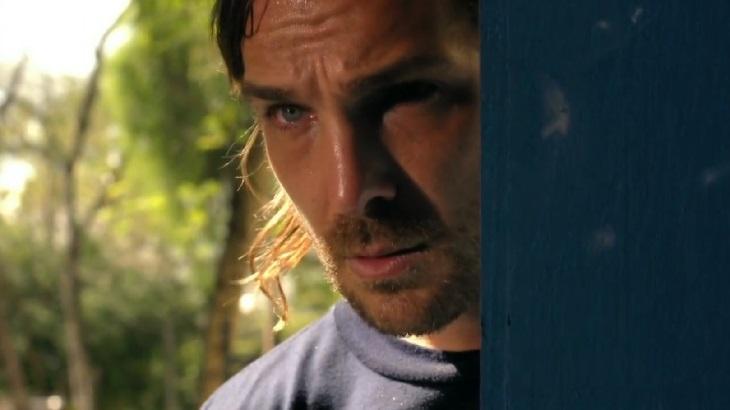 Igor Rickli em cena da novela Flor do Caribe, em reprise na Globo