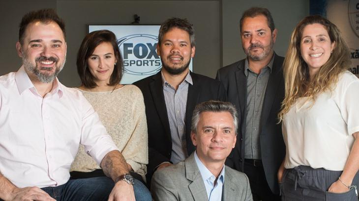Daniel Chicote, Roberta Gentil, Alexandre Suzuki, Daniel Romani (sentado), Edmundo Gavioli e Bianca Amaral - Foto: Bob Paulino