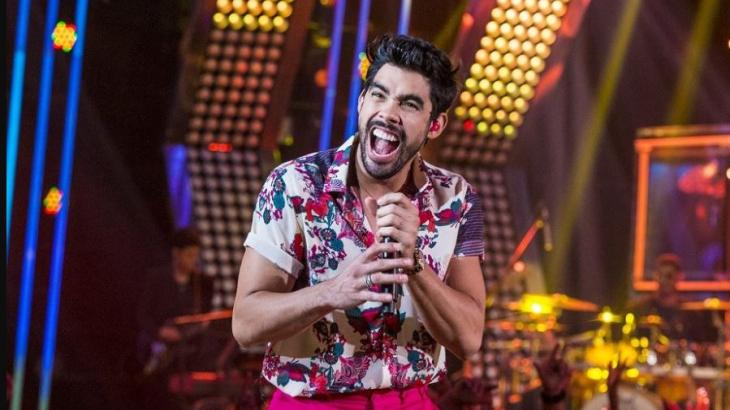 Gabriel Diniz em apresentação no