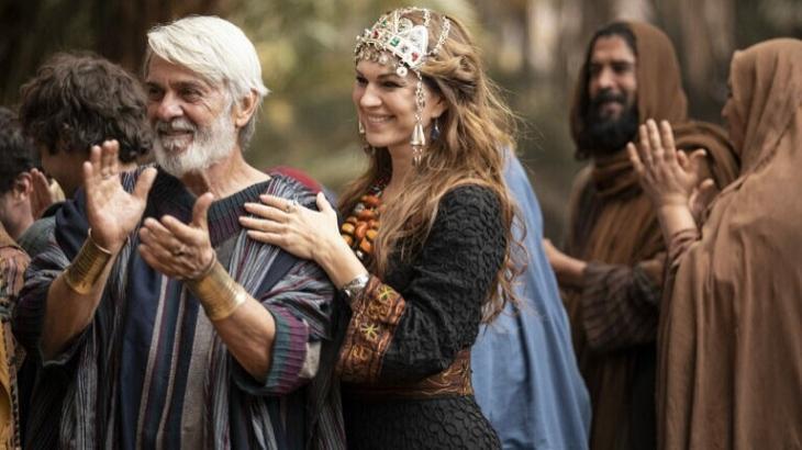 Cena de Gênesis com Abrão e Sara sorrindo