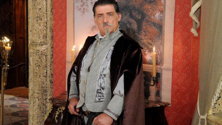 Na RecordTV desde 2007, Giuseppe Oristanio renova contrato com a emissora