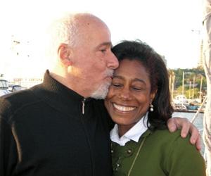 """Viva reprisará série com Paulo Coelho feita para o """"Fantástico"""""""