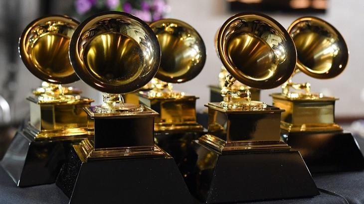 Ex-presidente do Grammy denuncia assédio e corrupção