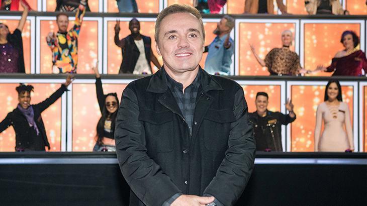 Gugu apresentou o Canta Comigo - Foto: Reprodução/Record