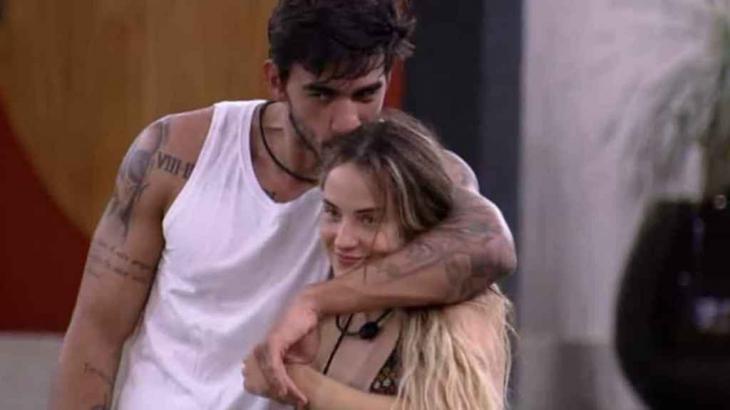 Gabi não está muito feliz com Guilherme - Reprodução/Globoplay