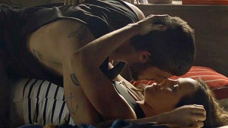 Ícaro beija Rosa e Laureta surta