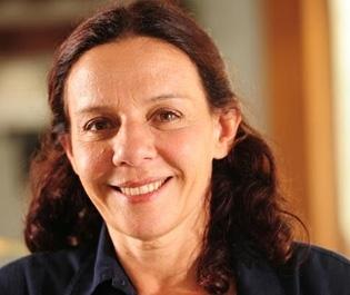 """Após """"Insensato Coração"""", Rosi Campos já tem data para voltar à TV"""