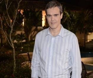 Globo renova com os atores Letícia Sabatella e Dalton Vigh