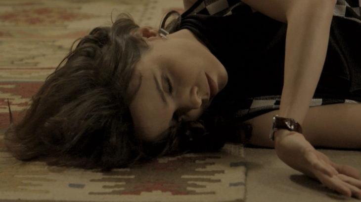 Irene desacordada no chão