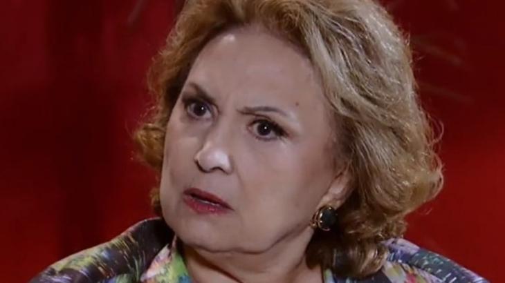 O jogo vira e Íris passa a ser chantageada em Fina Estampa - Reprodução/TV Globo