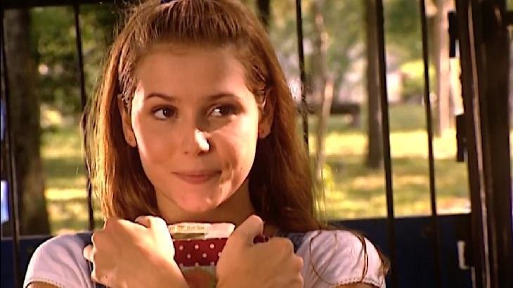 Deborah Secco como Íris em cena da novela Laços de Família, em reprise na Globo