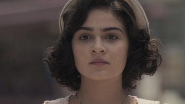 Isabel se entrega para Felício em Éramos Seis - Reprodução/TV Globo