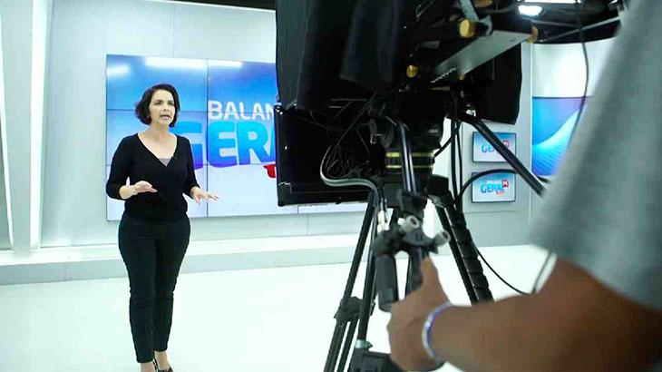 A apresentadora Isly Viana
