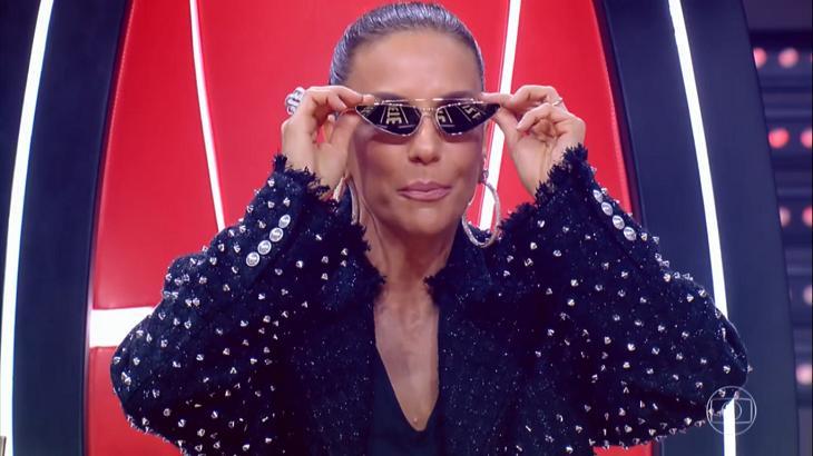 Ivete Sangalo explica uso de óculos no