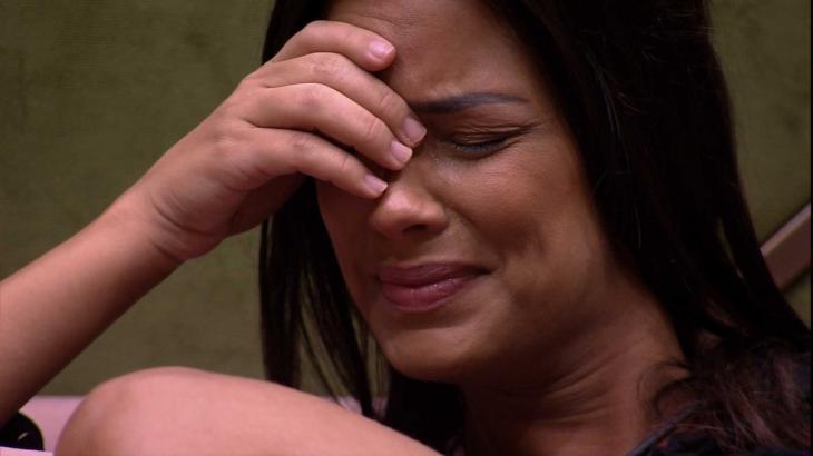 BBB20: Ivy tem crise de choro e questiona eliminação de Daniel