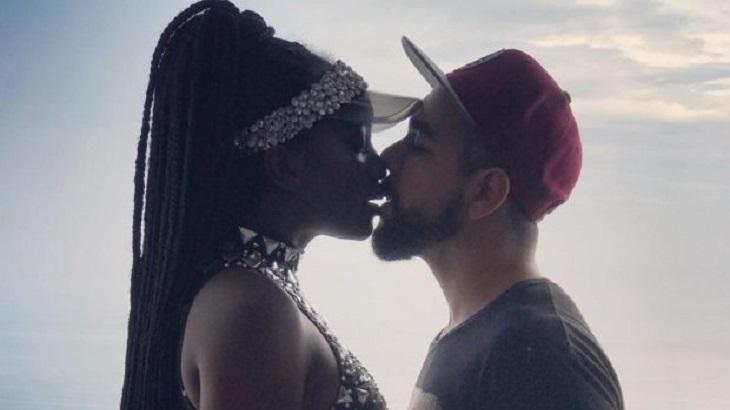 Iza beijando o marido - Foto: Reprodução/Instagram