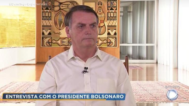 Em entrevista à Record, Bolsonaro provoca a Globo e pede espaço ao vivo no JN