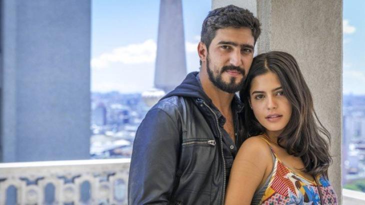 Jamil e Laila vivem história de amor em