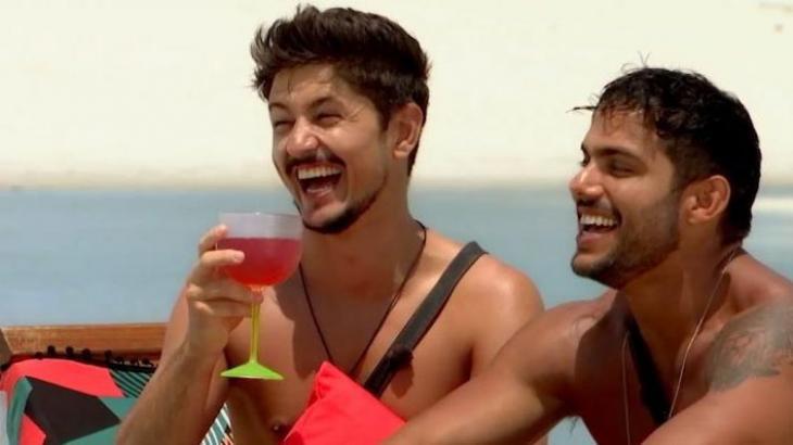 """Rafael ganha programa na MTV e fala em \""""privilégio\"""" ser o primeiro gay do De Férias com o Ex"""