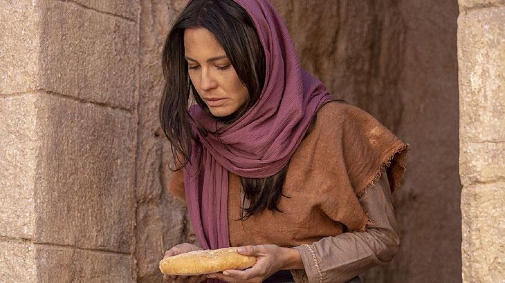 Queila vê o milagre do pão