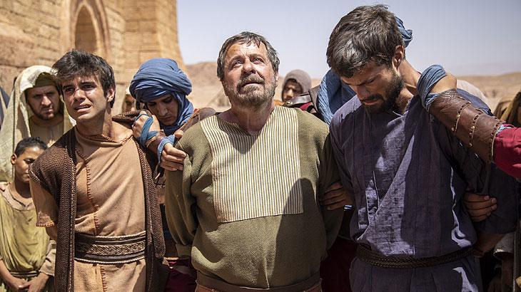 Tadeu, Nabote e Abner são condenados à morte por desobedecerem a ordem do rei Acabe