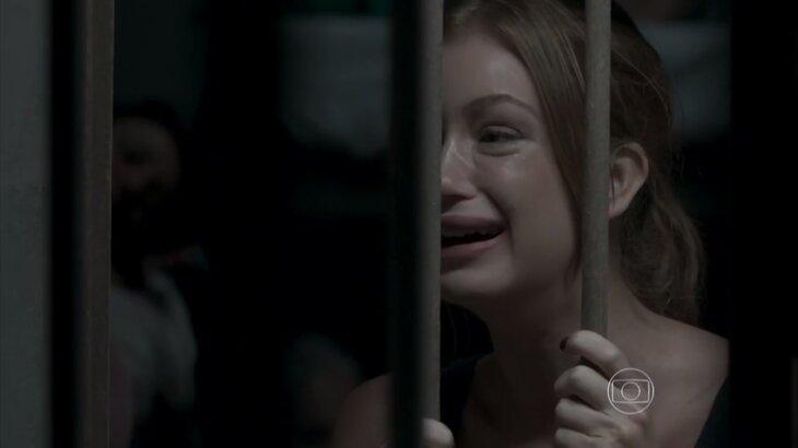 Totalmente Demais: Eliza sofre atrás das grades