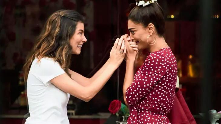 Joana e Maria da Paz já se parecem mãe e filha em A Dona do Pedaço - Reprodução/TV Globo