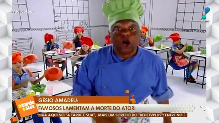 Programa A Tarde É Sua, da RedeTV!, troca Gésio Amadeu por João Acaiabe (Foto: Reprodução/RedeTV!)