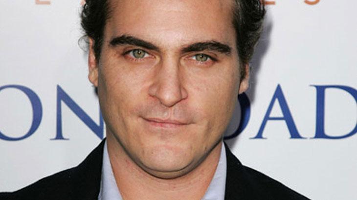 Joaquin Phoenix pode interpretar o Coringa em filme solo sobre o vilão