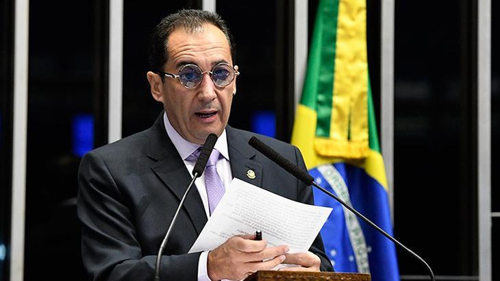 Após convulsão no Senado, Jorge Kajuru está internado em UTI