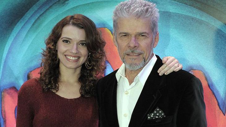Júlia Fajardo, filha de José Mayer, apaga perfis nas redes sociais