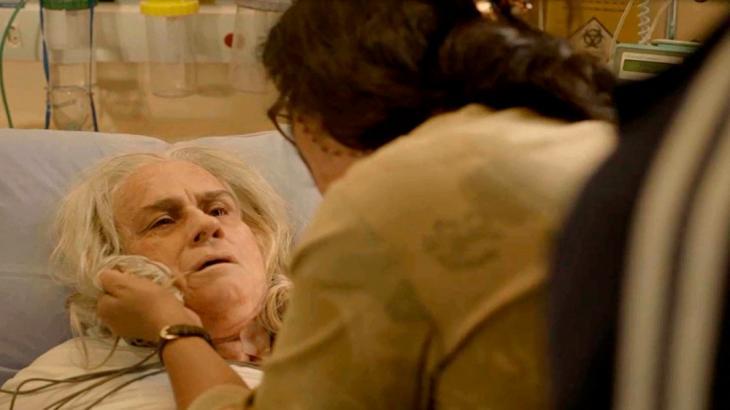 Amor de Mãe: Kátia faz Lurdes de trouxa, coloca filho bandido sob sua proteção e morre