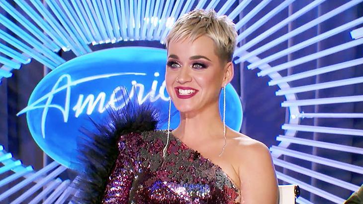 Katy Perry beija fã nas audições do 'Ídolos' americano