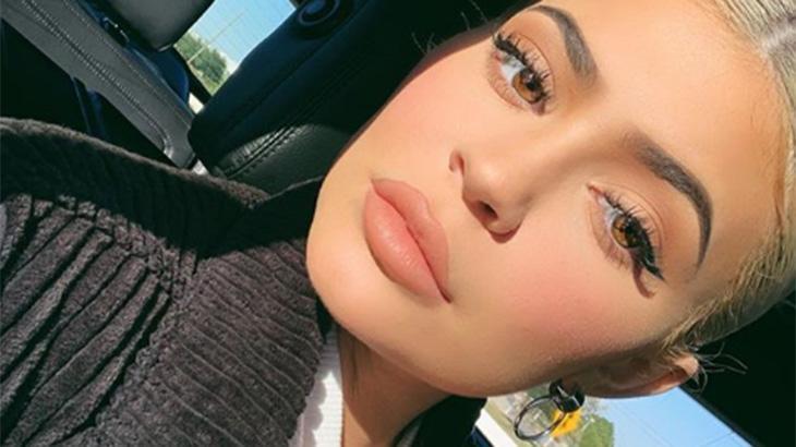 Kylie Jenner gravou um vídeo após ser ultrapassada - Reprodução