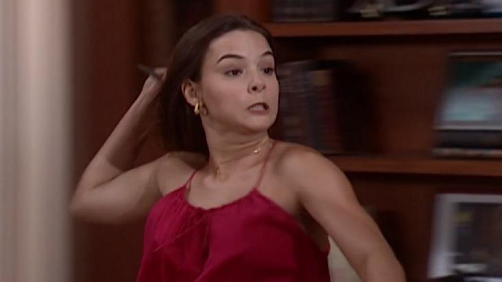 Regiane Alves como Clara em cena da novela Laços de Família, em reprise na Globo