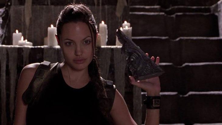 Angeline Jolie é Lara Croft em