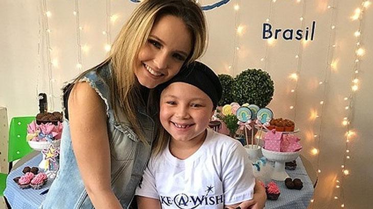 Atriz Larissa Manoela realiza sonho de fãs com câncer