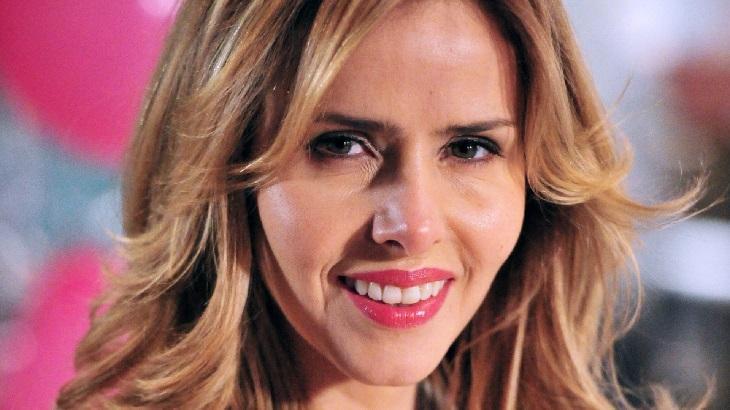 Leona Cavalli comemora estreia na Record TV em