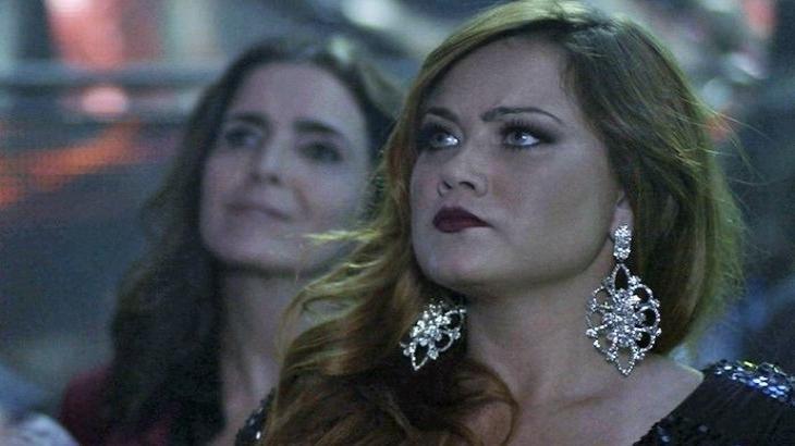 Haja Coração: Leonora perde camarote para Rebeca por confusão com Malu Mader