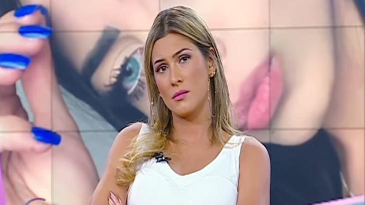 A apresentadora Lívia Andrade durante o programa Fofocalizando, no SBT. (Reprodução/SBT)