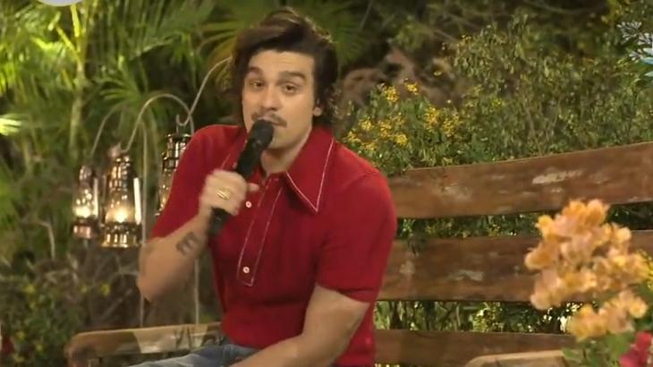 Luan Santana durante live