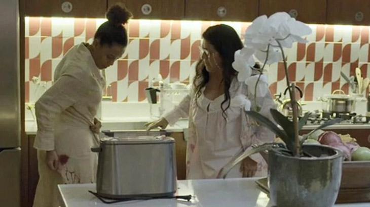 Um parente pede pra você fazer uma omelete na hora de Amor de Mãe...
