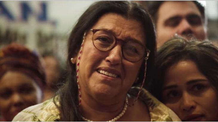 Lurdes vende a casa e família vai para a rua em Amor de Mãe - reprodução/TV Globo