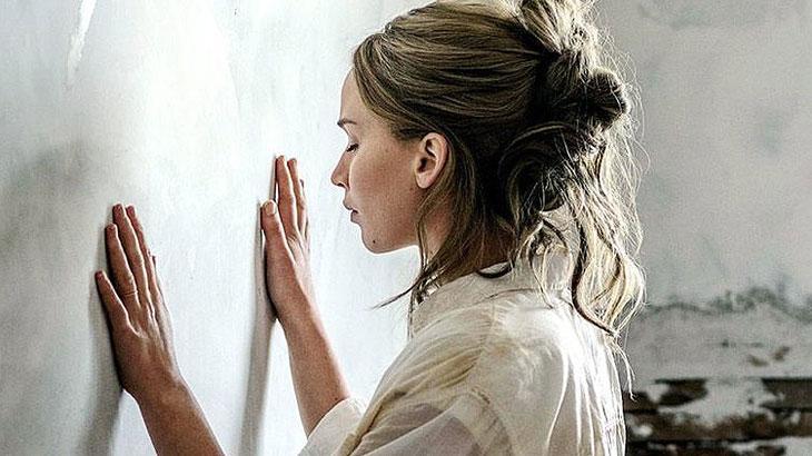 Estúdio parte em defesa de terror com Jennifer Lawrence após severas críticas