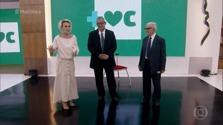 Ana Maria Braga conversando com os convidados - Foto: Reprodução/Globo