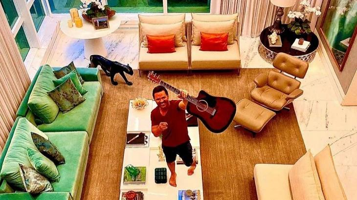 Conheça a mansão milionária de Eduardo Costa que está à venda em plena quarentena