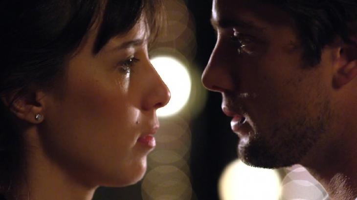 Marjorie Estiano e Rafael Cardoso em cena da novela A Vida da Gente, em reprise na Globo