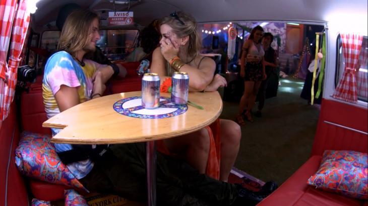 Daniel tenta ficar com Marcela no BBB20 - Foto: Globo