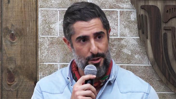 Marcos Mion na coletiva de A Fazenda 11
