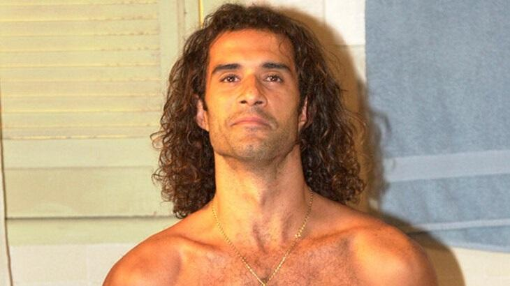 Marcos Pasquim em cena da novela Kubanacan, que chega ao Globoplay em dezembro